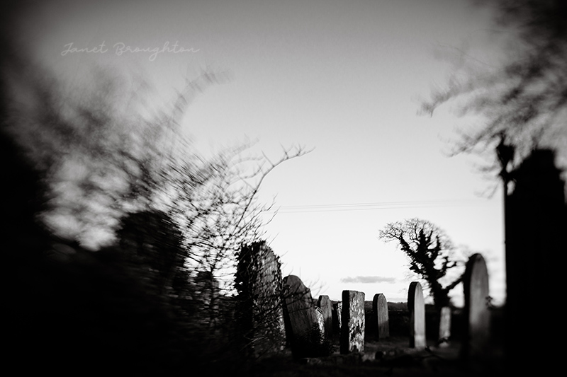lensbaby Sol 45 - graveyard photo